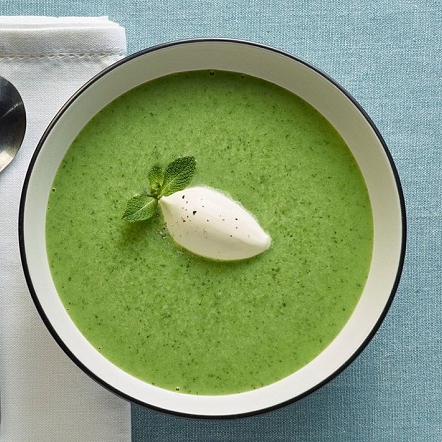 Spinach and leek soup